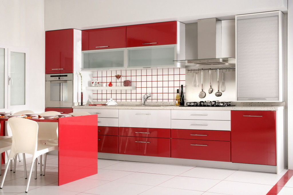 Kitchen 2: Striking Red And White Kitchen With Modern Kitchen Drawers And  Granite Countertops